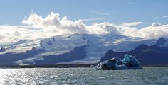 Breiðamerkurjökull by SarahShepherd on Flickr. (the glacier that feeds Jokulsarlon)