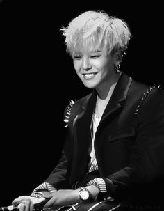 gdragon @ tziv- oh forget it. I hate this tag thing.