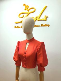 Sari Blouse Designs, Fancy Blouse Designs, Traditional Dresses Designs, Traditional Outfits, Myanmar Dress Design, Myanmar Traditional Dress, Stylish Blouse Design, Vetement Fashion, Simple Dresses