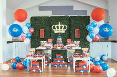 Event Styling - Duchess & Butler #sweetable #luxurykidsparty #kidspartystyling #largeballoons #Londonparty