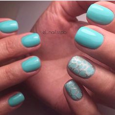 Evening dress nails, Ideas of turquoise nails, Light summer nails, Plain nails, ring finger nails, Simple nail art, Turquoise nails, Turquoise nails with sparkles