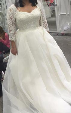 We offer custom #plussizeweddingdresses & replicas of #weddinggowns that'll fit your budget. www.dariuscordell.com
