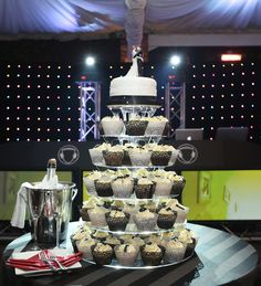 Wedding, Cupcake tower, Black and white, Lace, Champagne