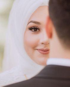 Pre Wedding Shoot Ideas, Wedding Picture Poses, Romantic Wedding Photos, Pre Wedding Photoshoot, Romantic Couples, Wedding Poses, Wedding Couples, Wedding Dresses, Romantic Weddings