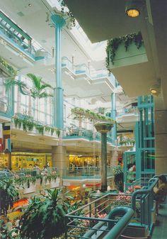 "eyeballjellomold: "" popularsizes: "" place montréal trust, montreal, early "" This makes me nostalgic for Mass Effect. Retro Interior Design, Retro Design, Interior Exterior, Exterior Design, Dead Malls, Mall Design, Shopping Malls, Vintage Interiors, Retro Futurism"