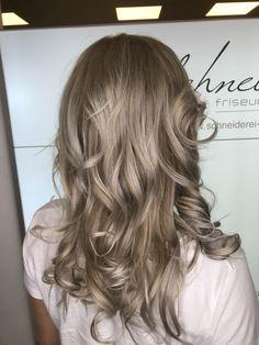 Blonde curls Blonde Curls, Long Hair Styles, Beauty, Shaving Machine, Barber Salon, Hair Stylists, Dressmaking, Shaving, Blondes