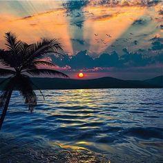 Ölüdeniz Fethiye,Turkey.Photography by @kyrenian #earthvacations . . . . #gopro #adventure #nature #wonderful_earthlife #sea #ocean #landscape #view #hawaii #nikon #earth #destinationpix #maldives #dailyonearth #vacation #placesearth #fujifilm #earthvacations #daily_earthpix #canon #earthtravelpix #philippines #thailand #travel #beach #summer #outdoors