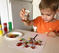 Crafts for kids - Environmentally friendly DIY is worth learning Page 45 of 55 Kids Crafts, Easy Fall Crafts, Fall Crafts For Kids, Diy For Kids, Tree Crafts, Fall Crafts For Toddlers, Paper Crafts, Crafts For 2 Year Olds, Craft Projects