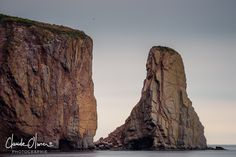 Rocher Percé, Percé, Québec Mountains, Travel, Rock Cakes, Trips, Viajes, Traveling, Bergen, Outdoor Travel, Tourism