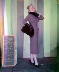 Marilyn Monroe in a costume test for How to Marry a Millionaire, 1953 Costume Marilyn Monroe, Marilyn Monroe Hair, Marilyn Monroe Photos, Old Hollywood Stars, Hollywood Glamour, Classic Hollywood, Hollywood Cinema, Hollywood Actresses, Costume Hollywood
