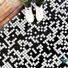 #instalove this #blackandwhite #mosaic #floor as seen on @andreanuu's follow-worthy Insta-stream! Reminds us of a crossword puzzle--so cool/ #tiletuesday #ihavethisthingwithfloors #amazingfloorsandwanderingfeet #tiles #tiled #tiling #tile #floors #flooring #interiordesign #interiors #interior #interiordesigner #idcdesigners #midcentury #midcenturymodern #instafloor #instadecor #instastyle #floortiles #mosaics #retro #tileaddiction #tilefloor #tiledesign #lookdown by tiletuesday