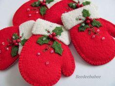 fühlte Weihnachten Bastelideen - New Ideas Felt Christmas Decorations, Christmas Ornaments To Make, Christmas Sewing, Noel Christmas, Felt Ornaments, Christmas Projects, Handmade Christmas, Holiday Crafts, Felt Projects
