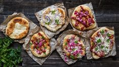 Langoše, teď vlednu?! Je to tak – když musíš, tak musíš. Pokud zrovna nejste fanoušky novoročních dietních zběsilostí, pusťte se snámi do vláčných bramborových langošů. Suroviny nakoupíte za pár korun akolik radosti způsobí! Bruschetta, Baked Potato, Quiche, Pizza, Potatoes, Baking, Breakfast, Ethnic Recipes, Morning Coffee