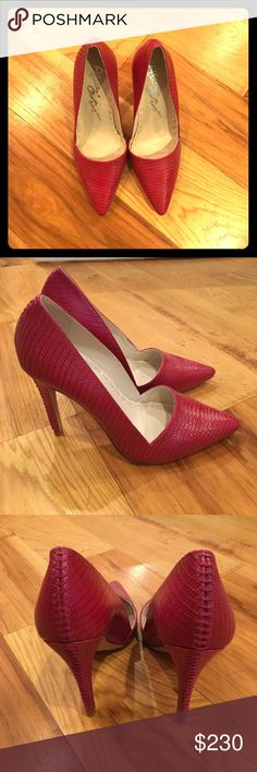 """Alice + Olivia lizard embossed patent leather pump Never worn!!  These are the Alice + Olivia """"Dina"""" lizard embossed patent leather pump in hot pink.  It looks more like a magenta or fuchsia color though.  They are new without tags.  Very cute and very flattering. Alice + Olivia Shoes Heels"""