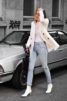 minimal outfit with levi's jeans, white blazer and white sock boots; katiquette