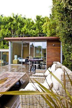 LA-based kitHAUS are creators of modern, modular prefab housing #garden #modernist #house