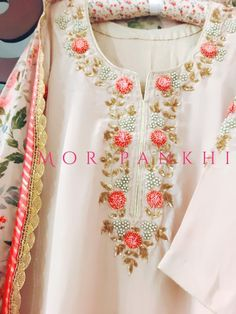 Silk dopatta matched to with embroidery on shirt Embroidery On Kurtis, Hand Embroidery Dress, Kurti Embroidery Design, Embroidery Neck Designs, Couture Embroidery, Embroidery Fashion, Salwar Designs, Blouse Designs, Kurta Neck Design