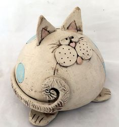 Good Photographs Clay sculpture animal Ideas Kreative Keramik Workshops in Ihrer Nähe – Donna McGinnis – Pottery Animals, Ceramic Animals, Clay Animals, Ceramic Workshop, Ceramic Studio, Ceramic Art, Ceramic Bowls, Pottery Sculpture, Tree Sculpture