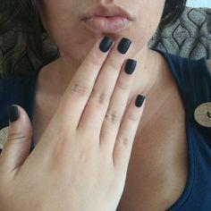 Black mate nails 💜💛💚💙
