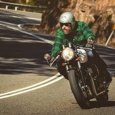 Despatch Rider — 'Hermione' - final run on a familiar stretch - dig. Cafe Moto, Cafe Bike, Cafe Racer Motorcycle, Motorcycle Style, Motorcycle Outfit, T120 Black, Bicycle Workout, Cafe Racing, Mens Boots Fashion
