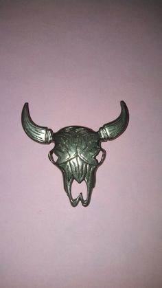 Hey, I found this really awesome Etsy listing at https://www.etsy.com/listing/230658900/bull-skull-silver-tone-brooch