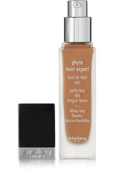 Sisley - Paris' 'Phyto-Teint Expert Flawless Skincare Foundation' is supercharged with soothing Frangipani Blossom, moisturizing Cucumber and toning Gingko Biloba to nourish your skin as it colors. This long-wearing formula offers full coverage, yet is easy to blend and won't leave your complexion feeling caked or tight. It's enhanced with soft-focus powders for the most flawless, fresh-faced finish.