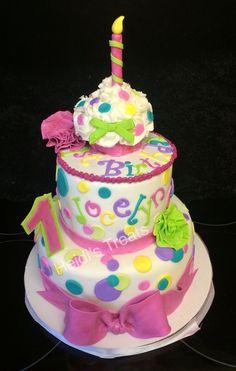 First birthday 1st girl polka dots cupcakes