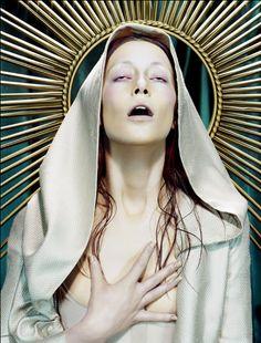 Madonna figures were often central figures of Renaissance paintings as the Virgin Mary became the new female figurehead, instead of Eve. Madonna, Religion, Princesa Punk, Estilo Punk Rock, Miles Aldridge, Tableaux Vivants, La Madone, Art Photography, Fashion Photography
