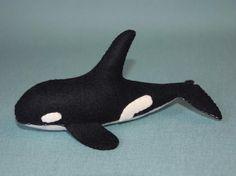 Felt Orca/ Killer Whale Pattern PDF, ocean, seaside, felt toy, decoration, Waldorf pattern. $5.00, via Etsy.