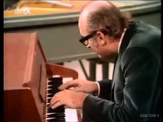 Friedrich Gulda plays Mozart Concerto No. 14 in E flat K 449 - YouTube