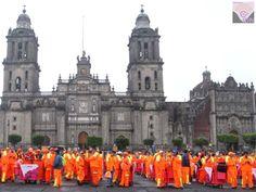 """#VoxPopuli Gobierno de la CDMx, entregó 10 mil carritos recolectores de basura a trabajadores de limpia, para servicio en 16 delegaciones. """"Son 10 mil nuevos carritos recolectores de limpia que mejoran el servicio y refrendan nuestro apoyo para las y los trabajadores"""", agregó el jefe de Gobierno de la Ciudad de México, Miguel Ángel Mancera Espinosa."""