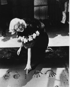 Jean Harlow at Grauman's Chinese Theater