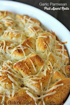 Garlic Parmesan Pull Apart Rolls on SixSistersStuff.com - only takes minutes to throw together using refigerated biscuit dough!