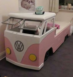 Girl VW Bus bed, idea of popping up hood as a desk.