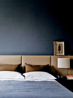 Possibly the ultimate color scheme for a masculine bedroom ? crisp white linens, set off by shades of rich chocolate and slightly faded blues. Photo via ArkPad.A SINGLE MAN?: Some Masculine Bedrooms for The Fellas Headboard Alternative, Blue Bedroom, Bedroom Decor, Bedroom Interiors, Suites, Cheap Home Decor, Home Remodeling, Interior Design, Modern Interior