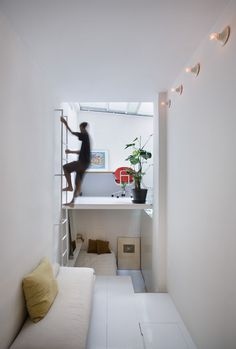 UPDATE: Tiny Apartment in Madrid Packs a Lot in 200 Square Feet and 6'-10 Wide : TreeHugger