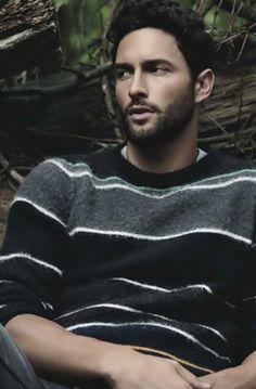 NOAH MILLS Noah Mills, Guy Pictures, Actor Model, Good Looking Men, Boy Fashion, Male Models, Sexy Men, Hot Guys, How To Look Better