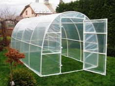 A gardener having a garden without a greenhouse in it is considered an incomplete garden. Having a greenhouse for your plants is a charm in itself. Of course, you won't be creating a humungous green house in your garden, but only the one that fits and adj Pvc Pipe Projects, Outdoor Projects, Garden Projects, Diy Greenhouse Plans, Greenhouse Gardening, Cheap Greenhouse, Greenhouse Wedding, Diy Small Greenhouse, Serre Pvc