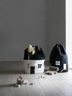 House No.2 – Organic Storage Bag – Moon Picnic