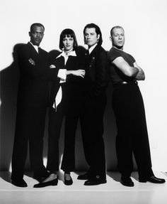 Samuel L Jackson, Uma Thurman, John Travolta & Bruce Willis - Pulp Fiction (Quentin Tarantino) John Travolta, Quentin Tarantino, Tarantino Films, Love Movie, Movie Stars, Movie Tv, Bruce Willis, Marlon Brando, Pulp Fiction Cast