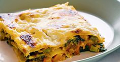 Besides being healthy and budget-friendly, lentils make a great low-fat alternative to traditional lasagne fillings. Lasagne Recipes, Vegetarian Pasta Recipes, Vegan Recipes, Cooking Recipes, Vegan Meals, Healthy Dinners, Family Meals, Kids Meals, Veg Dishes