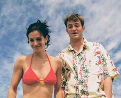 Find images and videos about friends, tv show and chandler on We Heart It - the app to get lost in what you love. Friends Tv Show, Tv: Friends, Serie Friends, Friends Cast, Friends Moments, Friends Forever, Friends Chandler And Monica, Chandler Bing, Monica E Chandler
