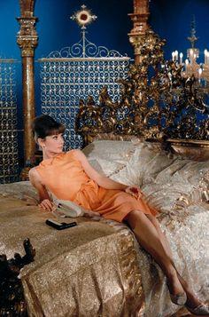 Audrey Hepburn in Paris When It Sizzles (Richard Quine, 1964)