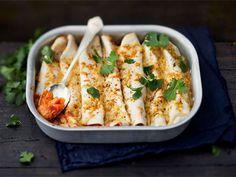Kasvisburritot Bouillabaisse Recipe, Nachos Supreme, Chickpea Burger, Huevos Rancheros, Mozzarella Sticks, Tzatziki, Quesadilla, Tex Mex, Fajitas