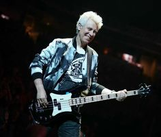 Adam Clayton U2 Songs, Adam Clayton, Best Guitarist, Out Loud, Punk, Musicians, Style, Swag, Punk Rock