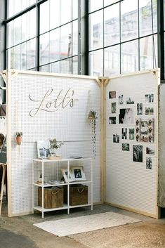 Engaged // trouwbeurs // weddingfair // weddingstyling // weddingdecor // wood // pictures- also an interesting format for a craft show display. Bridal Show Booths, Wedding Show Booth, Wedding Fair, Expo Stand, Art Stand, Photography Booth, Craft Booth Displays, Market Displays, Craft Markets