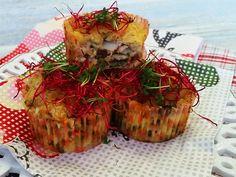 Suroviny na Chrumkavé rybie koláčiky:filet z tilapie Exklusiv Radoma od Ryba Žilina, hrsť nasekanej petržlenovej vňate, 1 vajce, 2 PL olivového oleja