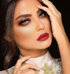 Gostaram? #embelezarmos @samerkhouzami - - - - - - - #maquiagem #universodamaquiagem #perfeito #lindo #embelezarmos #maquiagem #instamakeup #makeup #instalove #maravilhoso #fashion #hudabeauty #stunning #vegas_nay #girls #girl #pausaparafeminices #auroramakeup #linda #bela #beleza #delineado #divulga #sdv #likes #anastaciabeverlyhills #Mac #delineado #puxaogatinho #fazolhao #instagirl #bomdia