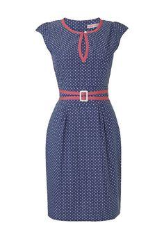 9b09c513af5878 Katoenen jeansblauwe jurk met witte polkadots afgewerkt met roze details  aan taille en bovenkant. Opening