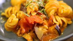Fusilloni mit Auberginen-Tomaten-Ragout